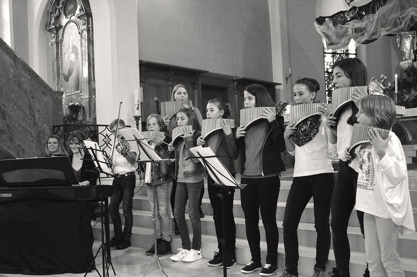Panflöte Gruppenauftritt in der Kirche